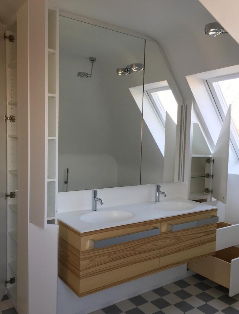 Bad in Dachschräge offen