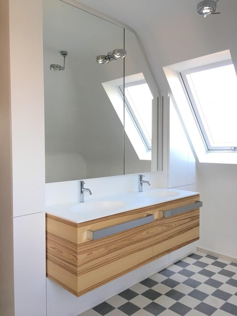 Bad in Dachschräge