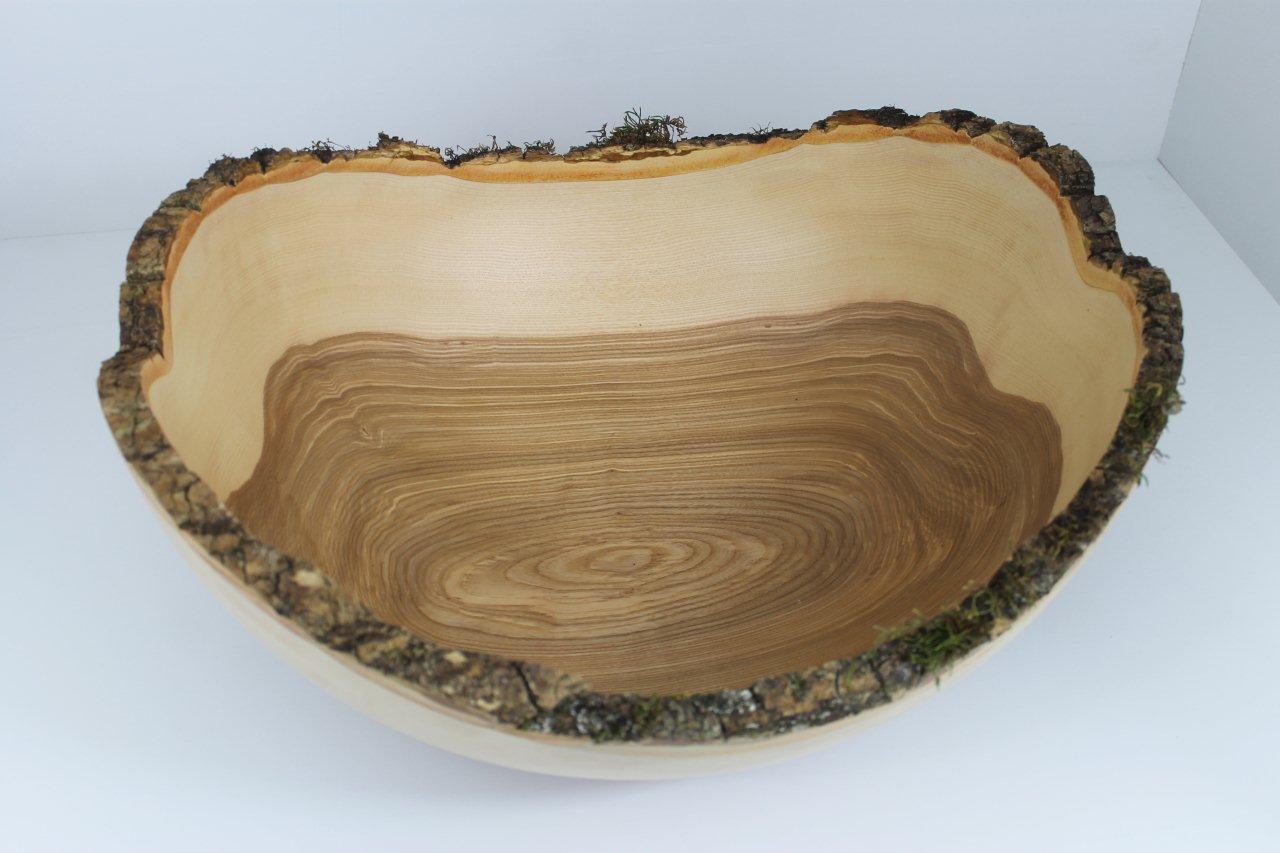 Naturholzschalen mit Borke