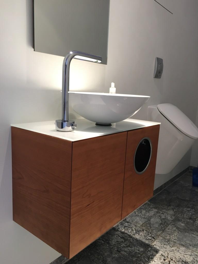 rundes waschbecken mit excellent rundes waschbecken mit wien restaurant rundes waschbecken mit. Black Bedroom Furniture Sets. Home Design Ideas