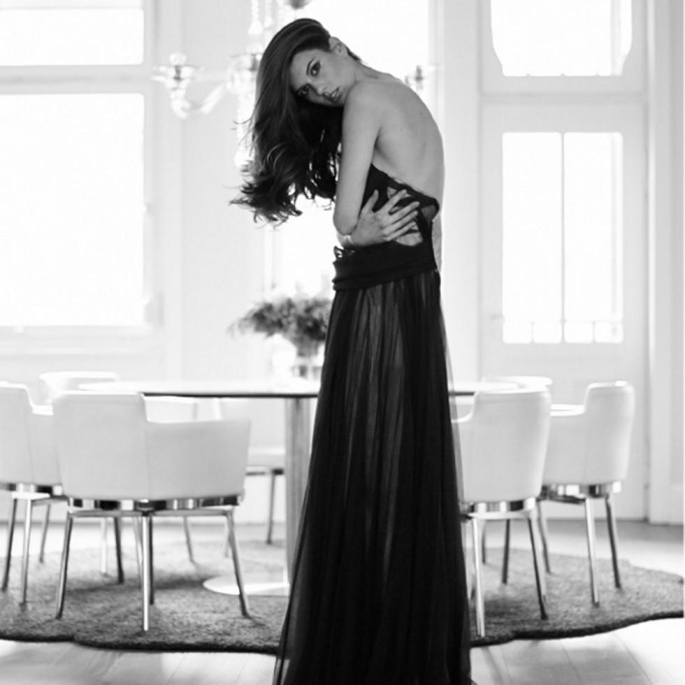 Fotograf Deniz Saylan verbindet Mode und Möbel.